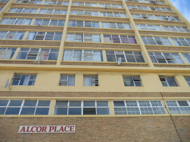 Standard Bank EasySell 1 Bedroom Sectional Title For Sale in Parow Central - MR080082