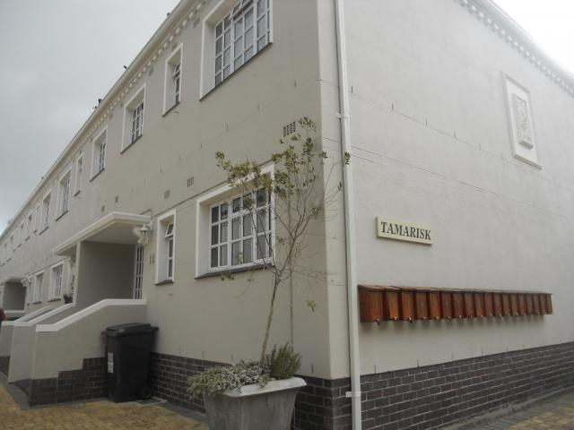 Standard Bank EasySell 3 Bedroom Sectional Title for Sale For Sale in Claremont (CPT) - MR080087