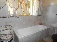Main Bathroom - 5 square meters of property in Bordeaux