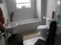 Main Bathroom - 7 square meters of property in Somerset West