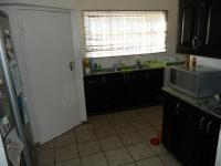 Kitchen - 25 square meters of property in Faerie Glen