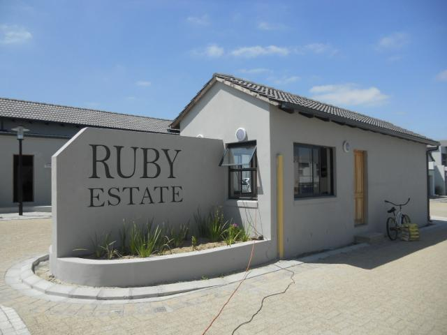 Standard Bank EasySell 3 Bedroom House for Sale For Sale in Durbanville   - MR080223