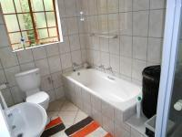 Bathroom 1 - 7 square meters of property in Amberfield