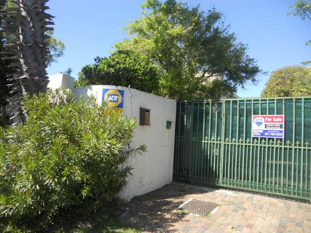 Standard Bank EasySell 3 Bedroom House for Sale For Sale in Cape Town Centre - MR080327