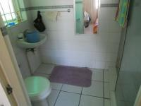 Main Bathroom - 3 square meters of property in Cape Town Centre