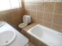 Main Bathroom - 5 square meters of property in Rayton