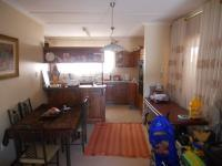 Dining Room - 12 square meters of property in Escombe