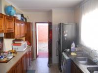 Kitchen - 14 square meters of property in Escombe