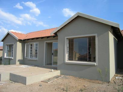 3 Bedroom House for Sale For Sale in Rooihuiskraal - Private Sale - MR08050