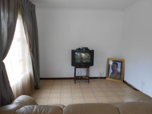 Lounges - 15 square meters of property in Sharon Park