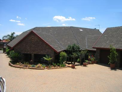 6 Bedroom House For Sale in Waterkloof Glen - Home Sell - MR08056