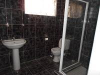Main Bathroom - 19 square meters of property in Florida