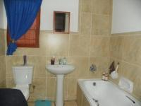 Main Bathroom - 5 square meters of property in Mountain View