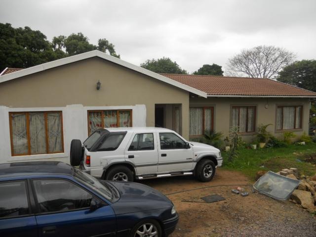 Standard Bank EasySell 3 Bedroom Cluster for Sale For Sale in Queensburgh - MR080843