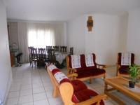 Lounges - 15 square meters of property in Queensburgh