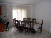 Dining Room - 10 square meters of property in Queensburgh