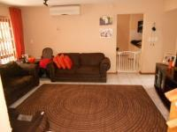 Lounges - 20 square meters of property in Westdene