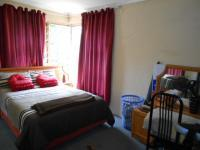 Bed Room 1 - 14 square meters of property in Westdene
