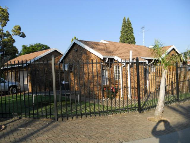 3 Bedroom House for Sale For Sale in Garsfontein - Private Sale - MR080890