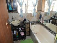 Main Bathroom - 6 square meters of property in Garsfontein