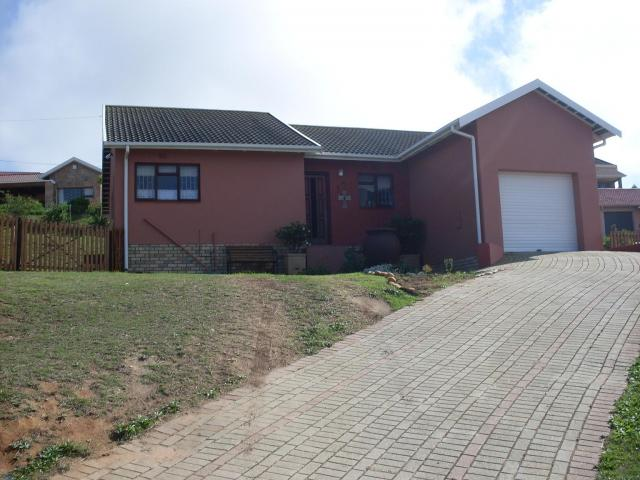 3 Bedroom House for Sale For Sale in Mossel Bay - Private Sale - MR080911