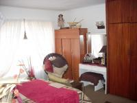 Bed Room 1 - 12 square meters of property in Mossel Bay