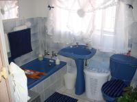 Bathroom 1 - 1 square meters of property in Mossel Bay