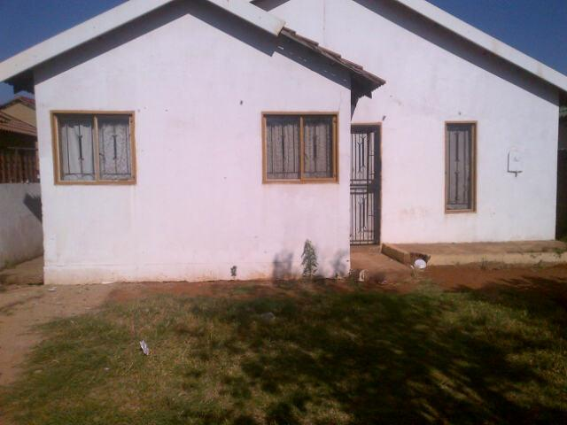 Standard Bank Repossessed 2 Bedroom House on online auction in Katlehong - MR080920