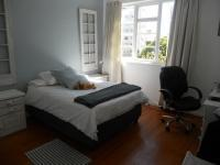 Main Bedroom - 16 square meters of property in Sea Point