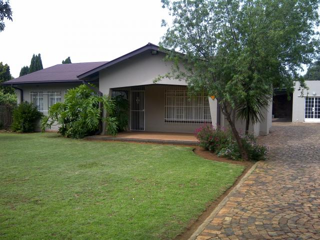 3 Bedroom House for Sale For Sale in Vereeniging - Home Sell - MR081158