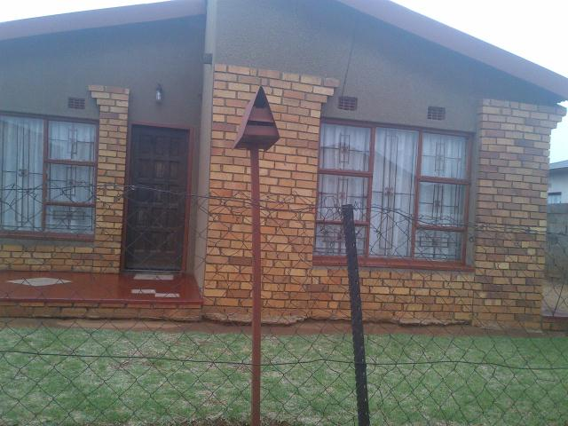 Standard Bank Repossessed 3 Bedroom House for Sale For Sale in Katlehong - MR081216