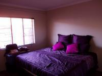 Main Bedroom - 15 square meters of property in Pretoria North