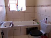 Main Bathroom - 5 square meters of property in Pretoria North
