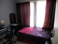 Bed Room 1 - 12 square meters of property in Monavoni