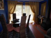 Dining Room - 17 square meters of property in Brackendowns