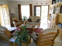 Lounges - 21 square meters of property in Moregloed