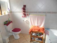 Main Bathroom - 5 square meters of property in Moregloed