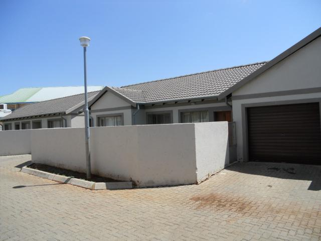 3 Bedroom Simplex for Sale For Sale in Winternest - Home Sell - MR081448