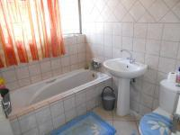 Main Bathroom - 5 square meters of property in Winternest