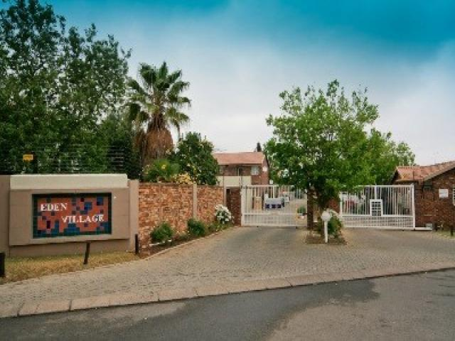 Standard Bank EasySell 1 Bedroom Sectional Title For Sale in Rietfontein - MR081516