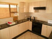 Kitchen - 14 square meters of property in Westonaria