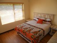 Bed Room 2 - 14 square meters of property in Westonaria