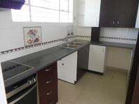 Kitchen - 8 square meters of property in Bedford Gardens