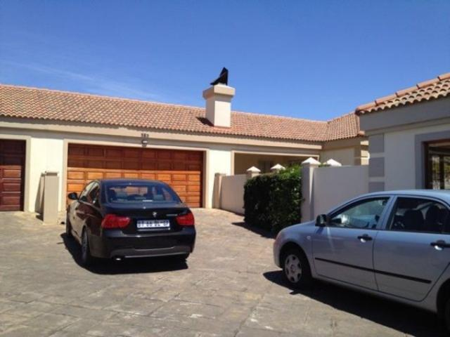 3 Bedroom Simplex for Sale For Sale in Rooihuiskraal North - Private Sale - MR081634