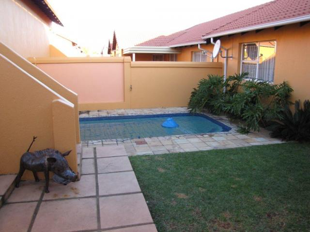 3 Bedroom Sectional Title for Sale For Sale in Halfway Gardens - Private Sale - MR081652