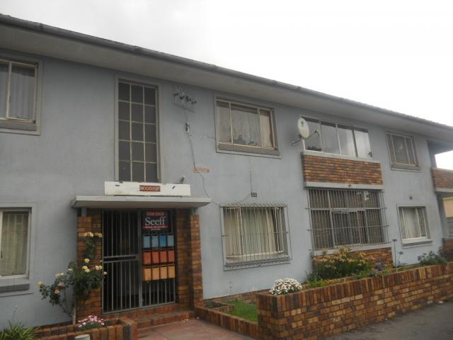Standard Bank EasySell 2 Bedroom Sectional Title for Sale For Sale in Goodwood Estate - MR081796