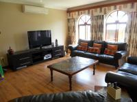 Lounges - 52 square meters of property in Centurion Central (Verwoerdburg Stad)