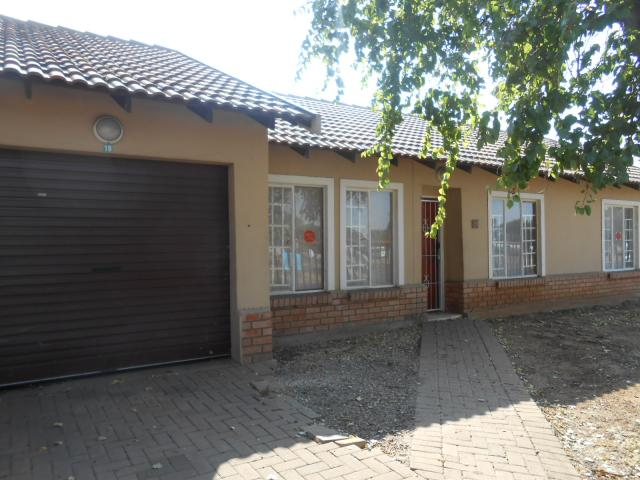 Standard Bank Repossessed 2 Bedroom Sectional Title for Sale on online auction in Rustenburg - MR081853