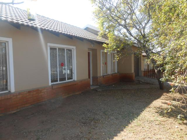 Standard Bank Repossessed 2 Bedroom Sectional Title on online auction in Rustenburg - MR081854
