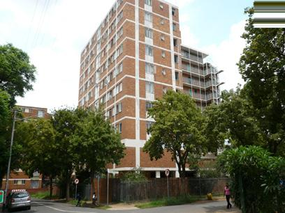 2 Bedroom Apartment for Sale For Sale in Berea - JHB - Private Sale - MR08193